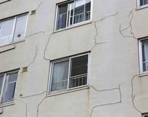 老朽化した集合住宅