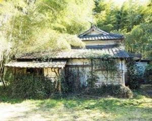 老朽化した一戸建て住宅